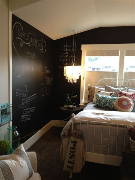 cool walls for a bedroom 25 amazing bedroom with chalkboard wall godfather style