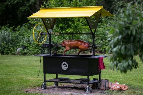 best backyard smokers 28 best backyard charcoal smokers images on pinterest