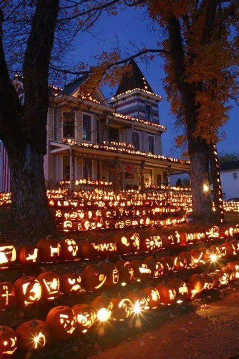 level scary halloween decorations  freaked neighbors