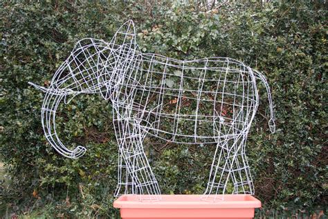 how to make a wire topiary frame plant topiary frame images