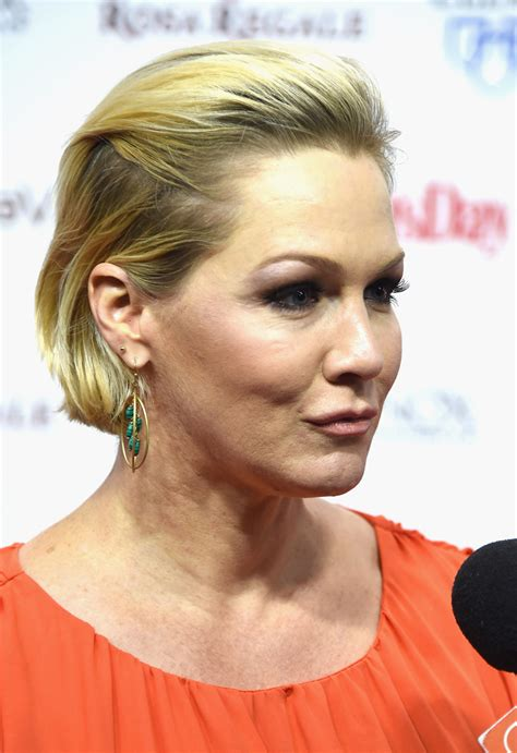 jennie garth 90210 ouch jennie garth reveals her new face national