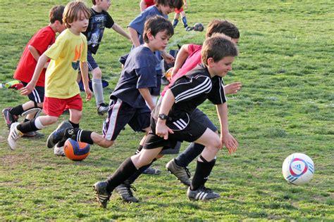 Sport Boy 10 pe class shifts away from sports towards fitness iowa