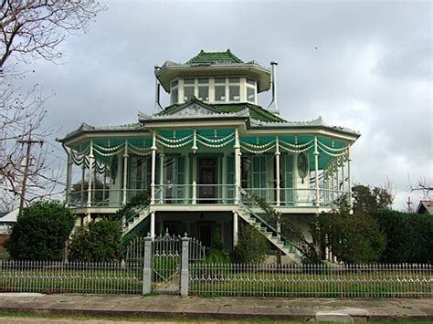steamboat in new orleans steamboat house new orleans new orleans pinterest