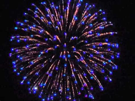 firework shell silver wave to blue tips & purple to