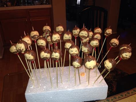 16 Stark Essentials for Your 'Game of Thrones' Finale Party