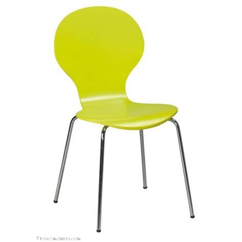 visuel chaise de cuisine de couleur