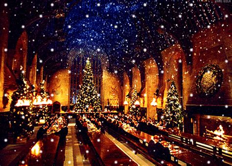 christmas  hogwarts gifs find share  giphy