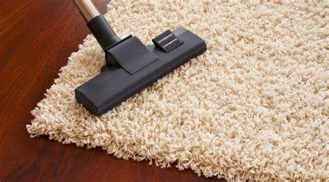 come pulire i tappeti in casa come pulire i tappeti trucchi e consigli pratici