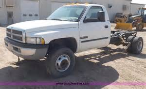 Dodge 3500 Cab And Chassis 2002 Dodge Ram 3500 Slt Laramie Truck Cab And