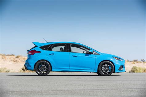 ford focus rs 2017 motor trend car of the year contender