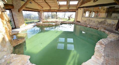 agriturismo con piscina interna villa con piscina coperta e spa ad uso esclusivo a terni