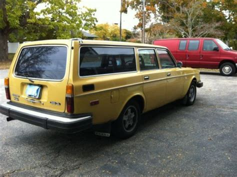 purchase   volvo  dl wagon west coast car  swansea massachusetts united states