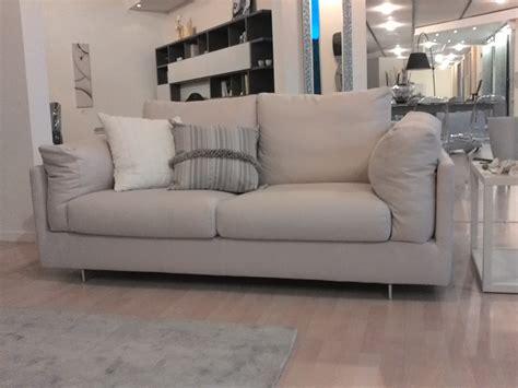 divani lineari biba divano zeno divani lineari tessuto divano 2 posti