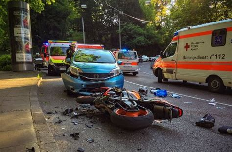 Unfall Motorrad Stuttgart by Stuttgart 23 J 228 Hriger Motorradfahrer Nach Unfall Schwer
