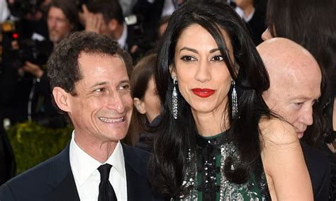 anthony weiner wife hillary clinton s caign chairwoman huma abedin joins