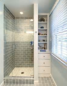 ideas for showers in small bathrooms best 20 small bathroom showers ideas on small