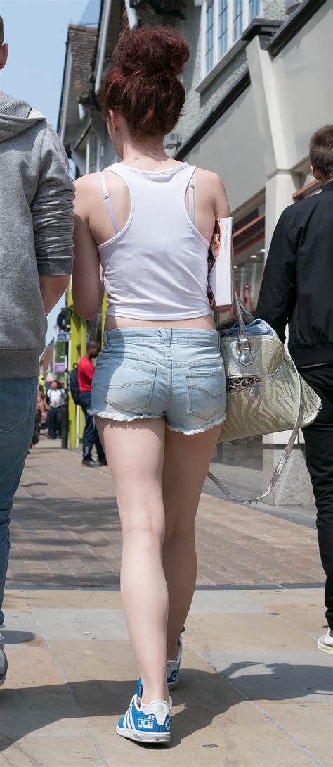 teen cut off denim shorts pert teen ass in short denim cut off shorts