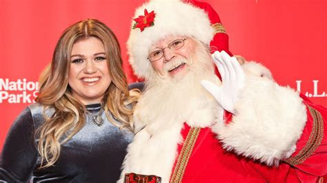 how many hair styles has kelly ripa had kelly clarkson reveals the hilarious gift little miss