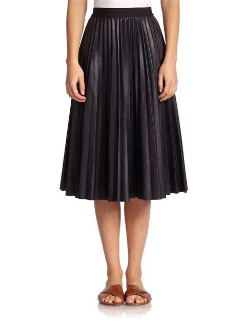 theory zeyn pleated leather midi skirt in blue navy lyst