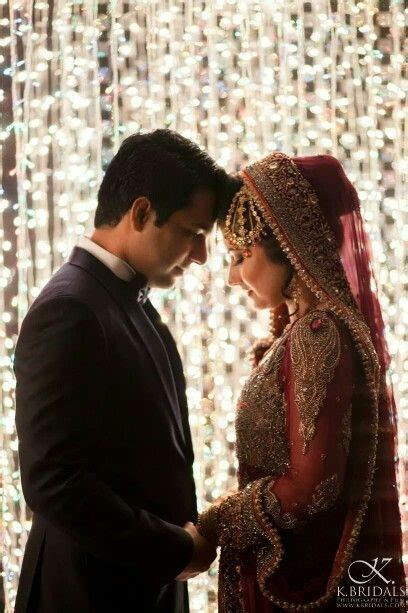 Most Inspirational Pose Ideas for Wedding Couple