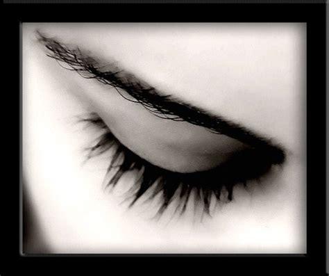 imagenes ojos tristes llorando automotivarte luego de la desaparicion de un ser querido