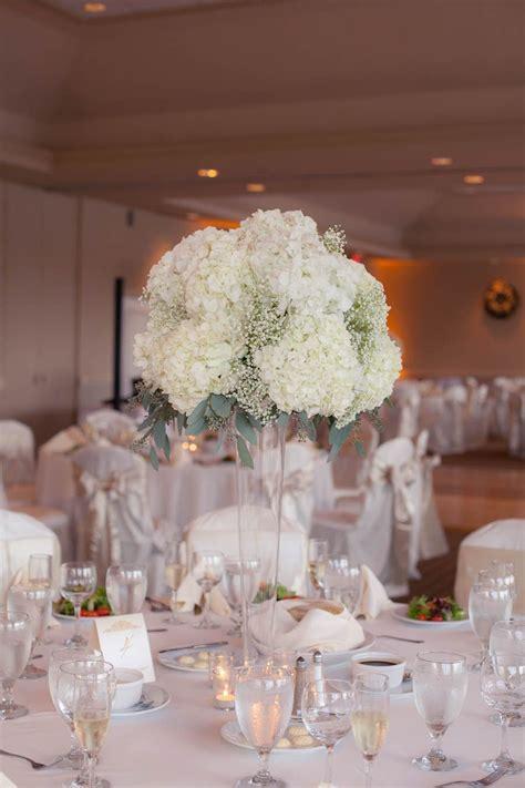 ivory and chagne golf course wedding mmtb wedding reception wedding flowers