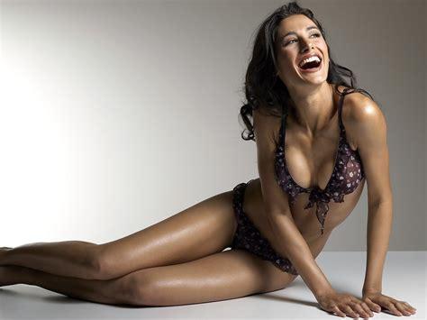beautiful sexy top 10 hot and bold bollywood s gorgeous beautiful actresses digi dunia