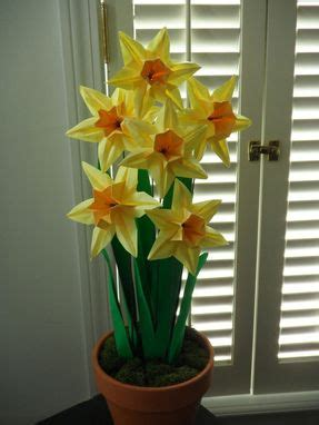 made origami paper daffodils by dear betsy
