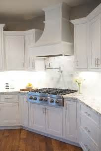 Hoods Kitchen Cabinets 25 Best Ideas About Kitchen Range Hoods On Pinterest