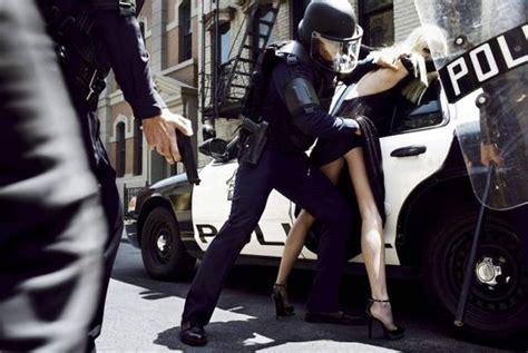 Fashion Photographer Nearly Arrested by Galeri Steven Meisel Haberler Sayfa 1 Milliyet