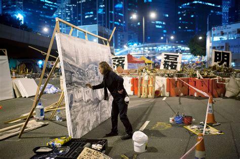 consolato hong kong proteste davanti all ambasciata britannica di hong kong