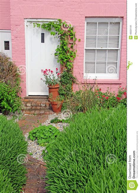 pink kent country cottage garden stock image