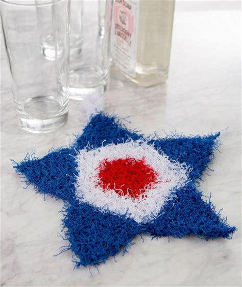 15 diy patriotic home decor ideas mm 158 domestically patriotic knit scrubby allfreeknitting com