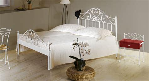 bett siebenschläfer spanisches metallbett z b 140x200 cm in braun loria