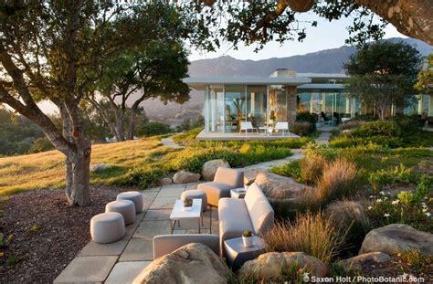 california backyard patio gardens here