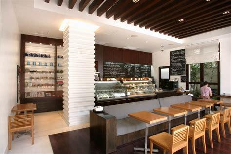 cuisine schmidt bastia meubles bar cuisine pivotante et meuble de rangement de