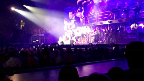 robbie williams swing tour robbie williams live in belfast swings both ways tour