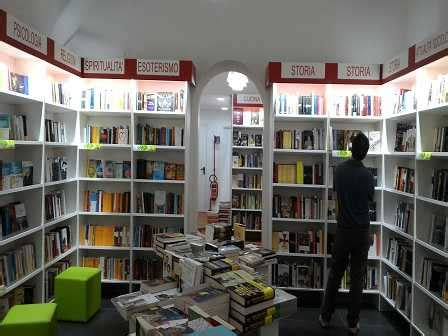 libreria mondadori catania mooks nasce una nuova libreria al vomero napolitime