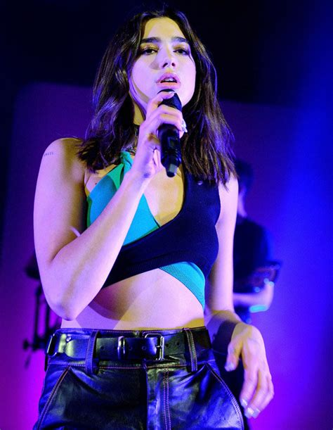 dua lipa kim dua lipa tour singer sizzles in hotter than hell kim k