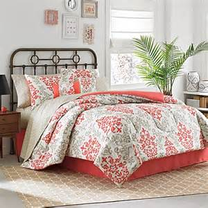 6 8 complete comforter set in coral bed