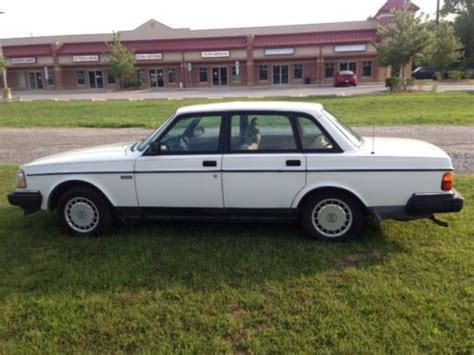 hayes car manuals 1992 volvo 240 on board diagnostic system service manual how to remove kicker panels 1992 volvo 240 service manual how to remove