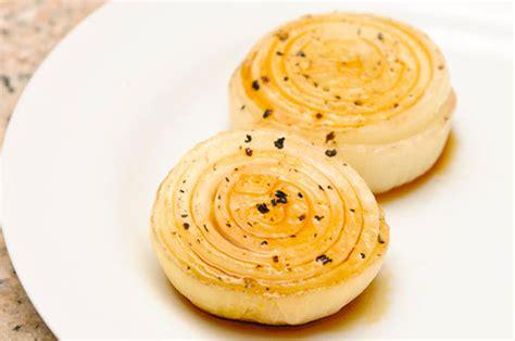 come cucinare cipolle cipolle al forno gratinate la ricetta facile