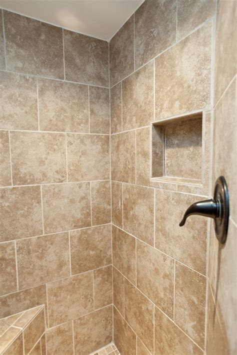 Badezimmer Fliesen Regal by Bathroom Tile Shelf Walk In Tile Showers And