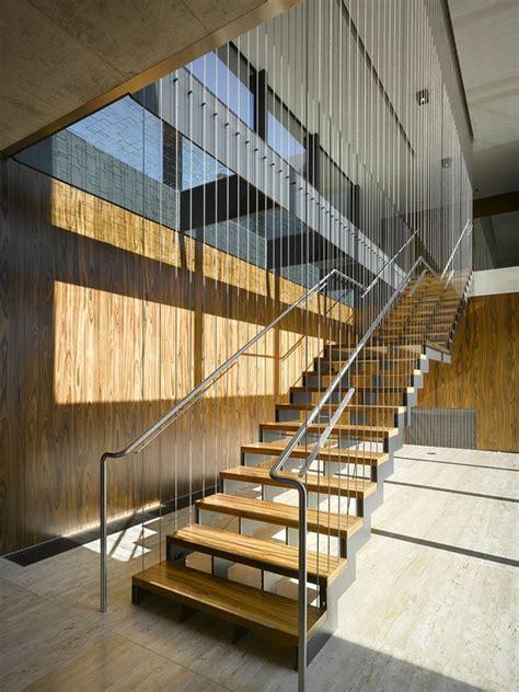 befestigung treppengeländer metall treppe idee