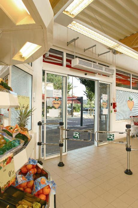 teddington air curtains electric heated air curtain teddington c2000e
