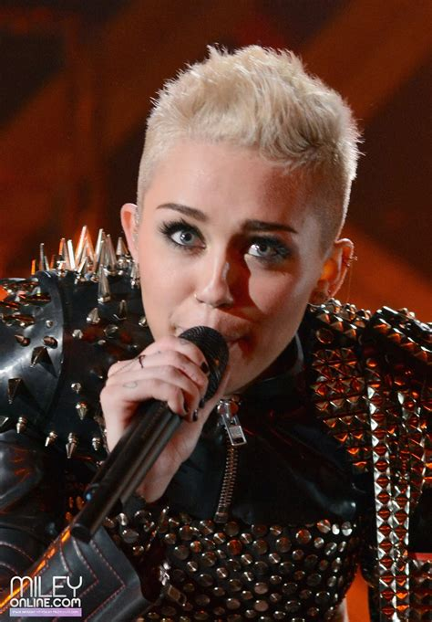 what is miley cyrus hair cut called girls in vogue trendy hairstyles hot fashion 2013