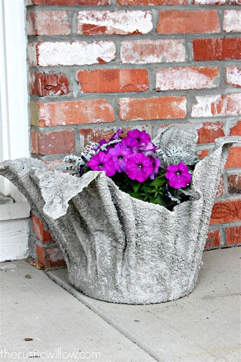 Diy Concrete Planter From An Old Towel Or A Fleece Blanket Diy Cement Planters