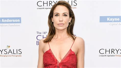 claire forlani on weinstein claire forlani shares her encounter with harvey weinstein
