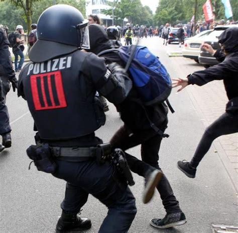 Antifa Sticker Whatsapp by Polizeieins 228 Tze Beim G20 Gipfel Welt