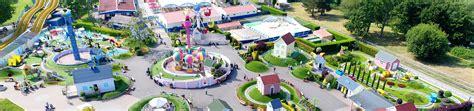 theme park jobs uk theme park jobs at paultons park paultons family theme park